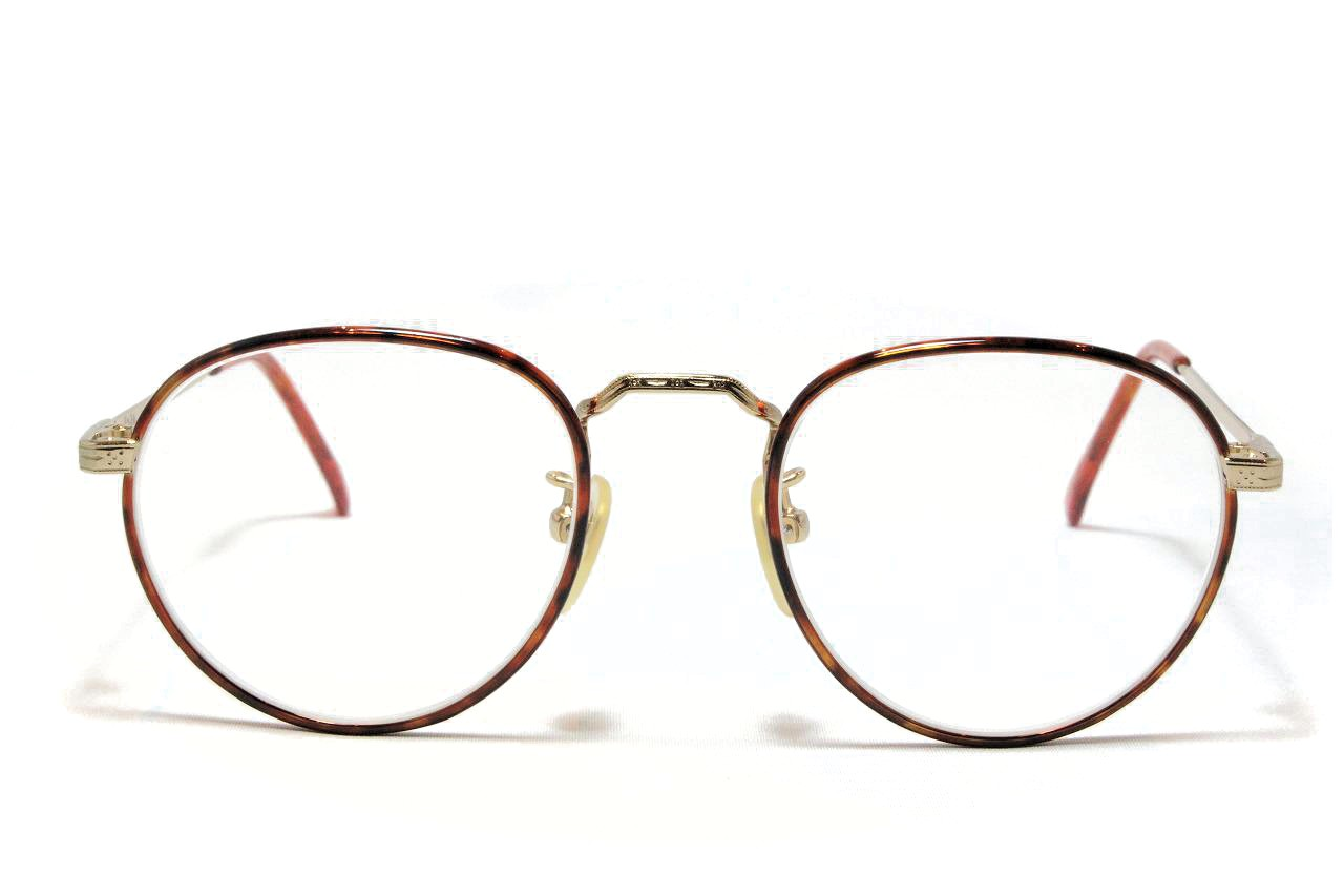 長年メガネを使用してるとレンズが黄色く ...